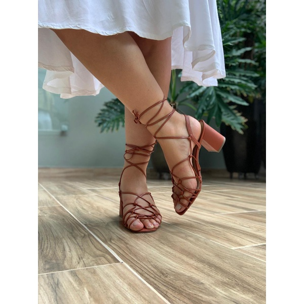 Sandália salto bloco rugine Donna Clô