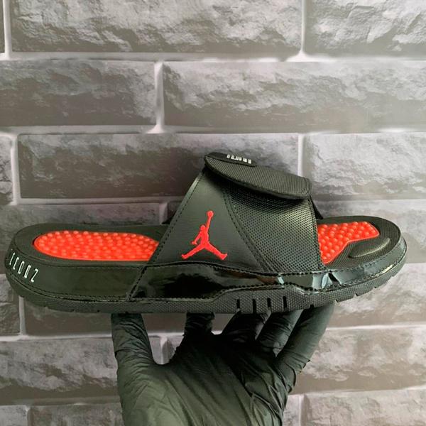 Chinelo Slide Jordan Hydro 11 Retrô Preto e Vermelho