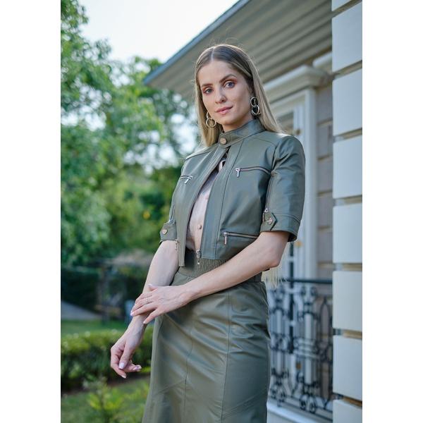 Casaqueto de Couro Feminino Verde Militar Ágata