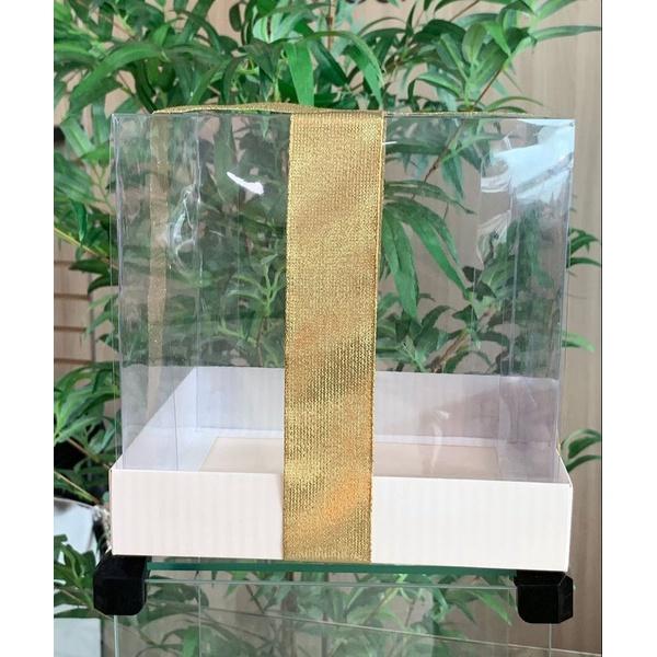 Caixa para panetone ou bolo com tampa transparente
