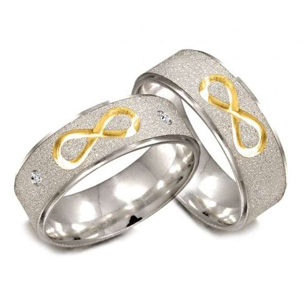 Par de Alianças de Prata com filetes banhados a ouro