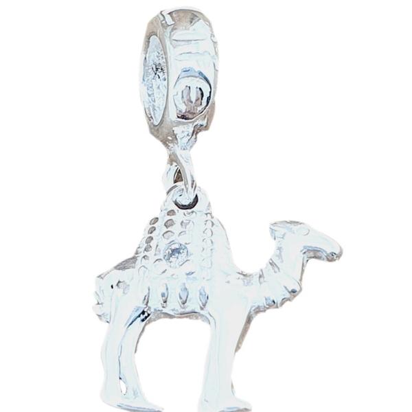 Berloque Prata Camelo