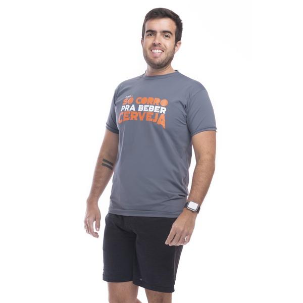 Camiseta Masculina Funfit - Só Corro Pra Beber Cerveja Cinza