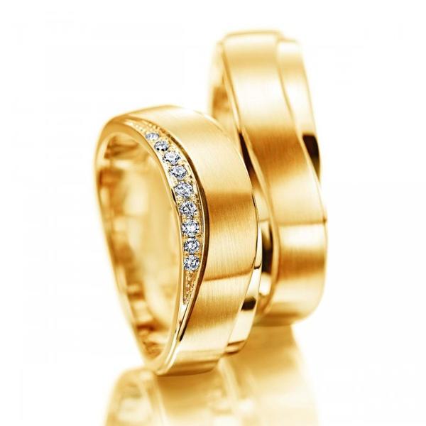 Aliança em Ouro 18k Fosca e Polida com Diamantes
