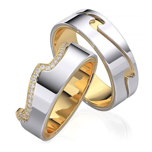 Aliança em Ouro 18k Trabalhada e Cravejada com Diamantes