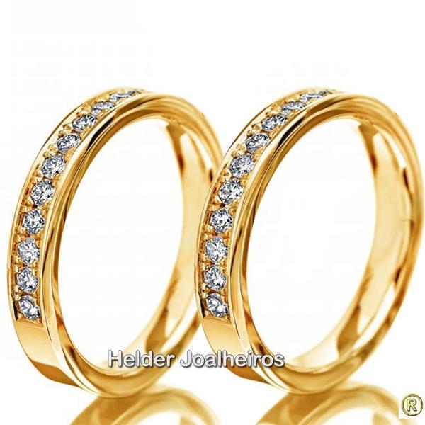 Aparador em Ouro Amarelo 18k Cravejado com Diamantes