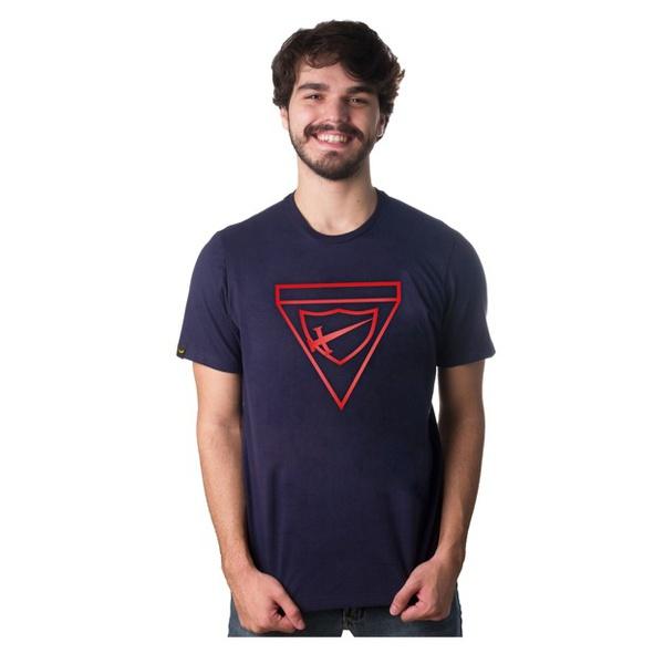 Camiseta Bordada na Cor Vermelha DBV