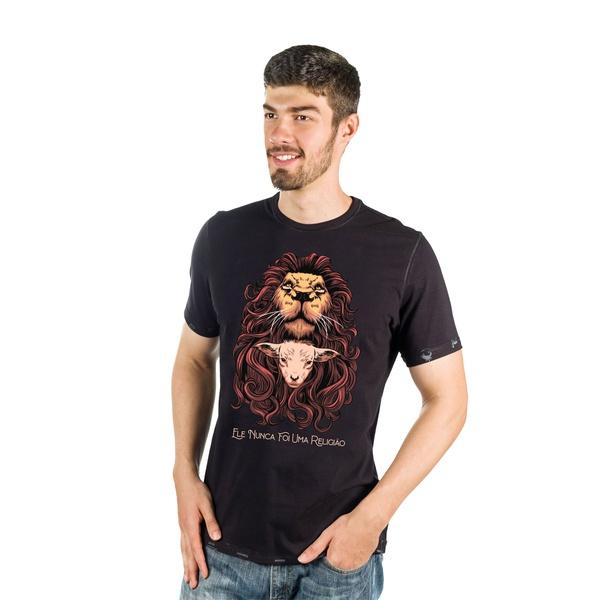 Camiseta Leão e Cordeiro
