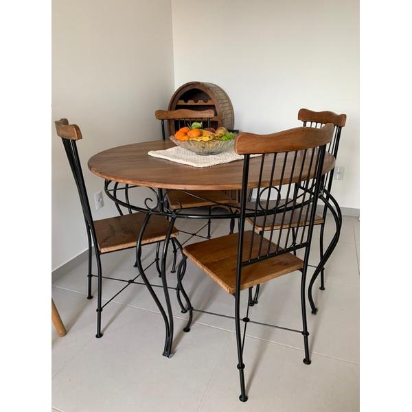 Jogo Bistrô Madeira e Ferro 1 Mesa 4 Cadeiras de Jantar