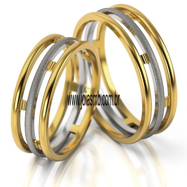 Alianças de Casamento Três Corações