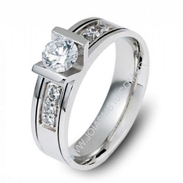 Anel Solitário de Diamantes Maceio