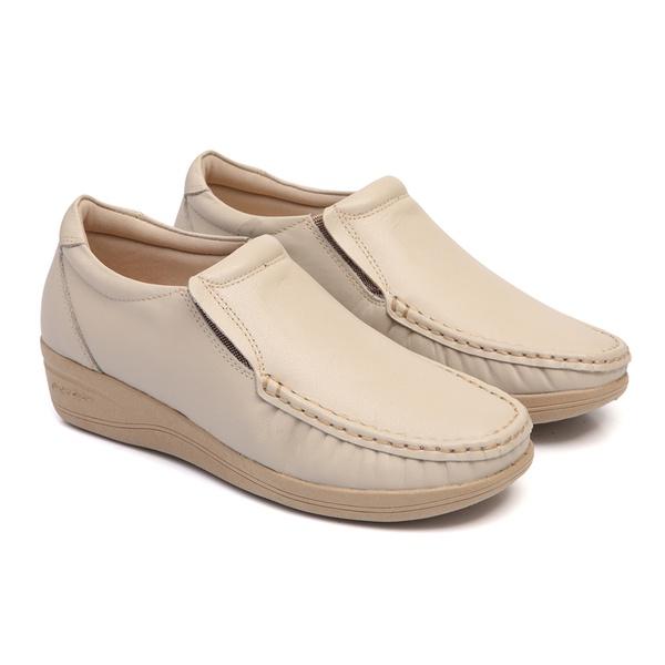 Sapato em Couro Marfim Linha Lady Comfort Feminino Solado Anabela