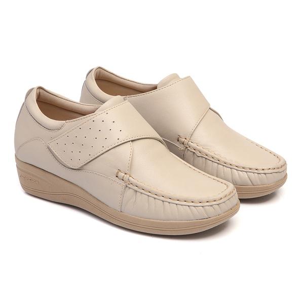 Sapato Fechamento com Velcro Solado Anabela Feminino em Couro Marfim Linha Lady Comfort