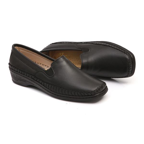 Sapato Preto Slip On em Couro Solado Anabela Linha Lady Comfort Feminino