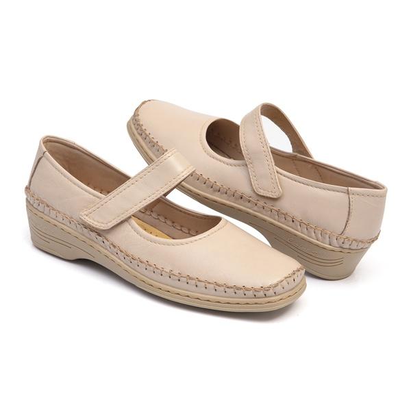 Sapato da Linha Lady Comfort Estilo Boneca Feminino em Couro Marfim com Solado Anabela Kapell