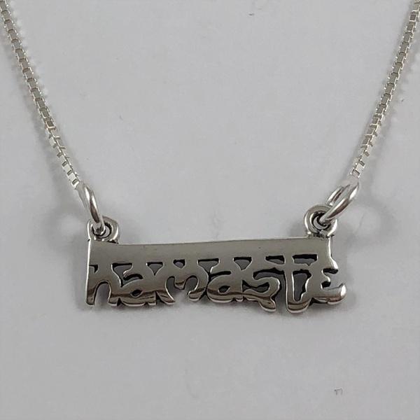 Gargantilha Namastê em Prata 925