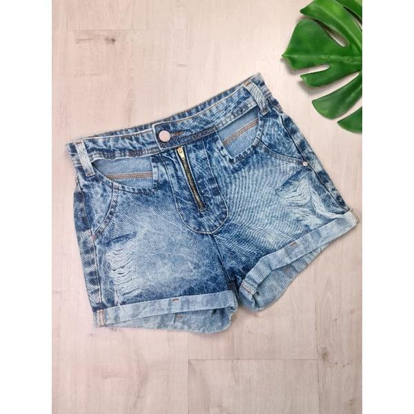 Short Jeans com Abertura