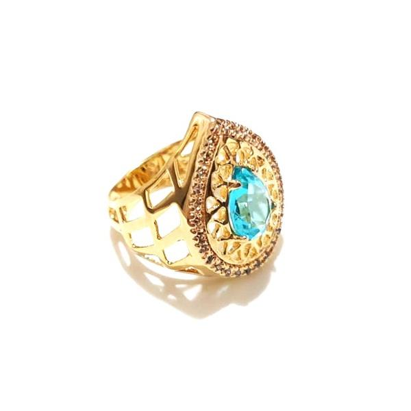 Anel Banhado a Ouro com Cristal Lapidado e Zircônias