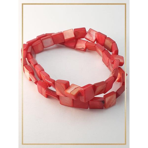 Pulseira Bracelete Confeccionada com madrepérolas em Fio silicone alta resistência Cereja