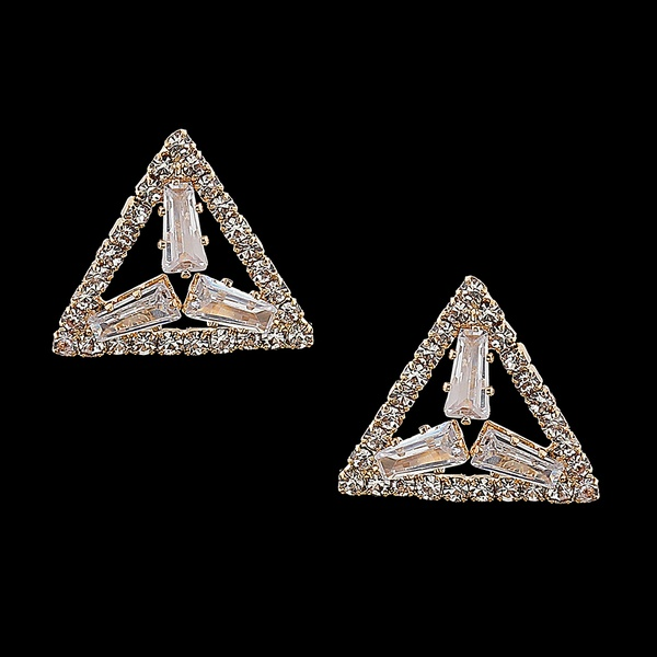 Brinco Flor de Zircônias Triangulo