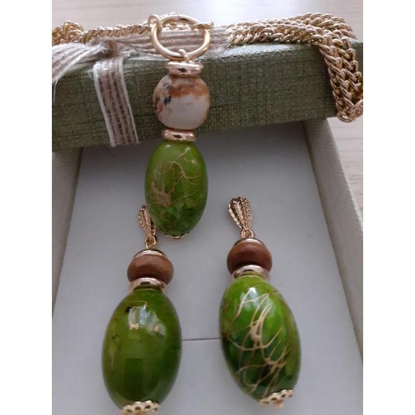 Conjunto de brinco e colar Pedra japonesa e Pedra Madeira
