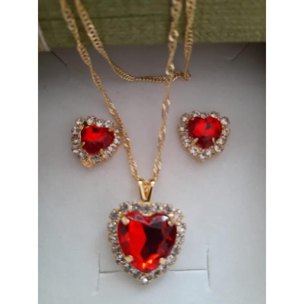 Conjunto folheado Coração Zircônia Vermelho