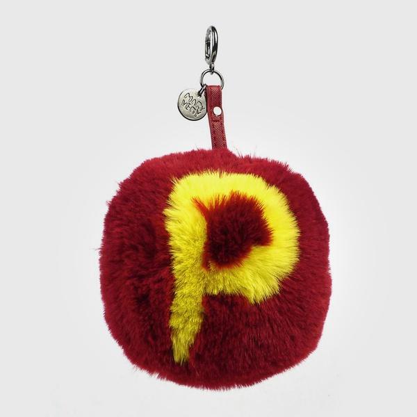 Chaveiro de Pompom Com Desenho da Letra P do Alfabeto