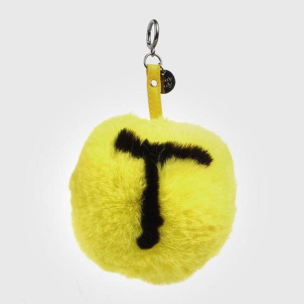 Chaveiro de Pompom Com Desenho da Letra T do Alfabeto