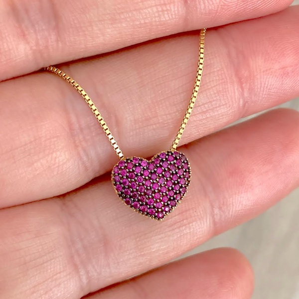 Gargantilha Ouro 18K Coração Cravejado de Zircônias Vermelhas