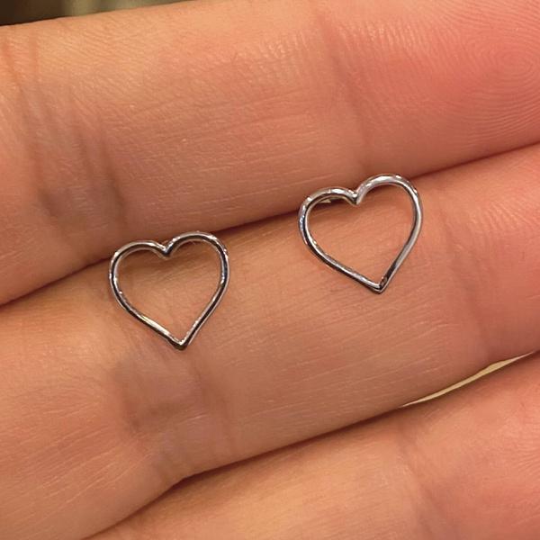 Brinco de Coração Médio Ouro Branco 18K
