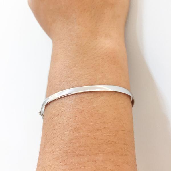 Bracelete de Ouro Branco 18K Feminino Anatômico