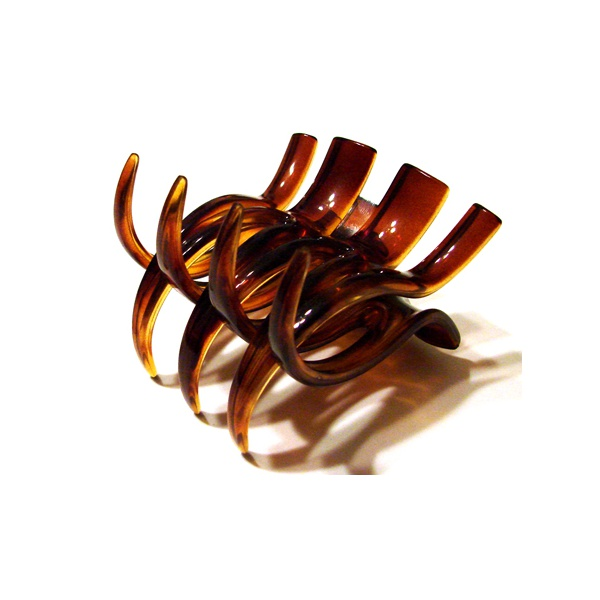 Prendedor Médio 7,0x7,0cm Tartaruga de Acetato Musa Kalliopi
