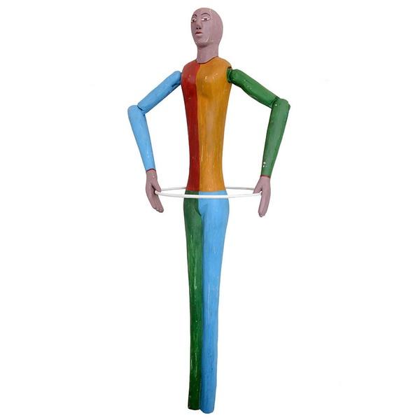 Escultura de Boneco Bailarino com Bambolê