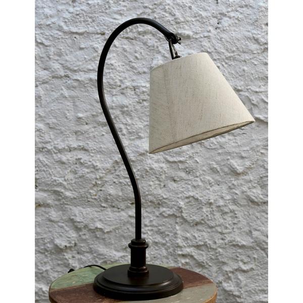 Luminária de Mesa em Ferro