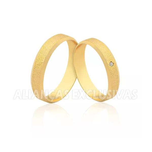 Aliança de Ouro Chanfrada Diamantada em Ouro 18k