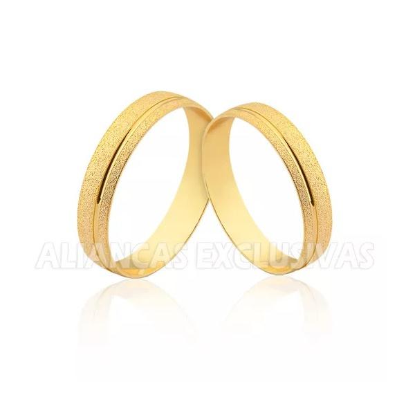 par de alianças finas de ouro 18k com acabamento diamantado