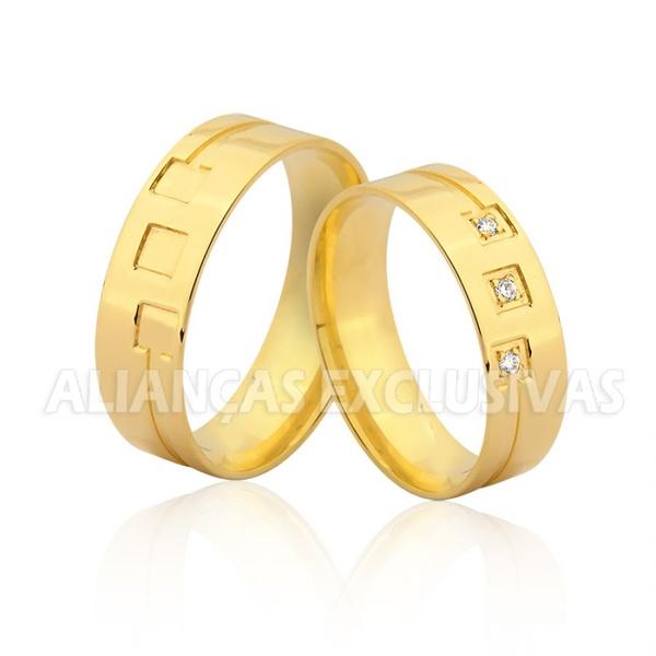 Alianças de Ouro 18k Trabalhadas com Diamantes