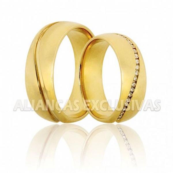 alianças de casamento grossas e polidas com alto brilho e pedras de diamantes