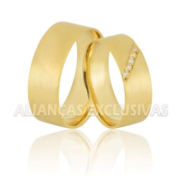 alianças grossas de ouro escovadas com diamantes
