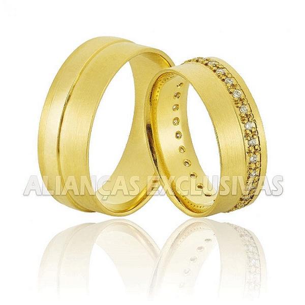 Alianças com 34 Diamantes em Ouro 18k