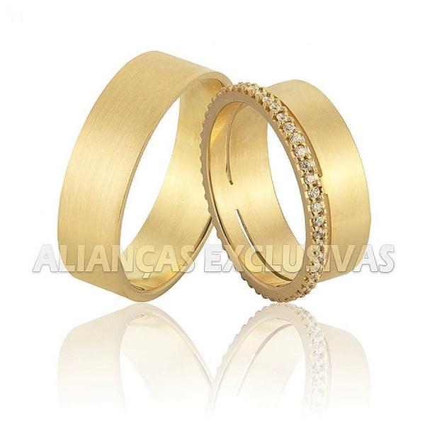 Aliança Exclusiva e com Diamantes em Ouro 18k