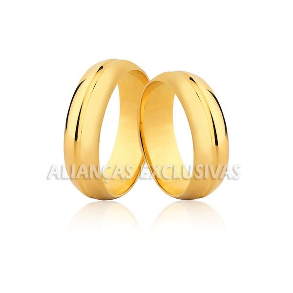 par de alianças de casamento em ouro 18k com frisos polidos