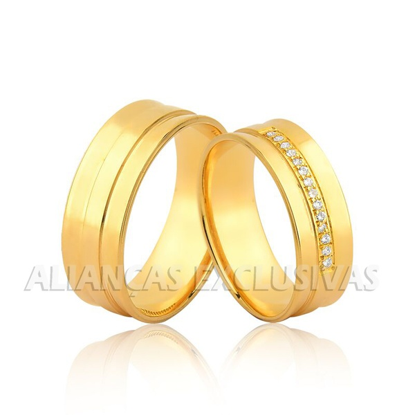 par de alianças grossas de casamento em ouro 18k com pedras de diamantes
