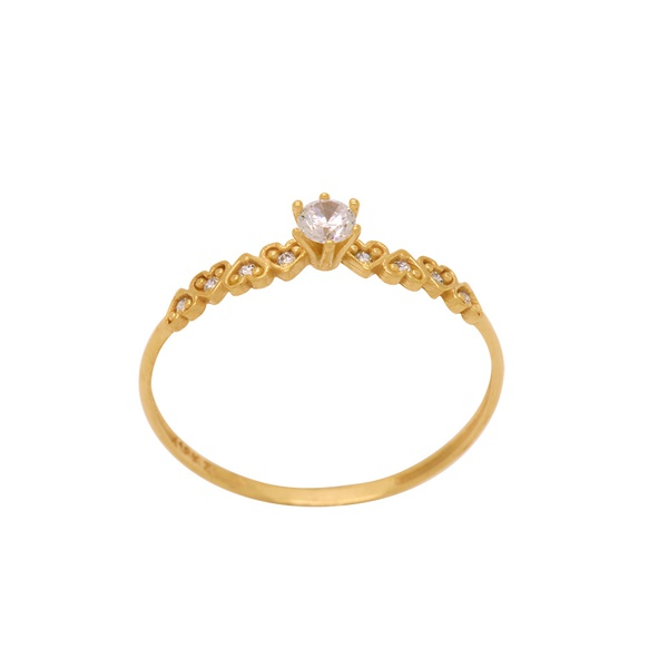 anel de noivado com pedra central de zircônia e detalhes laterais de corações