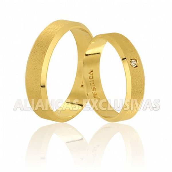 alianças de ouro com acabamento diamantado para casamento