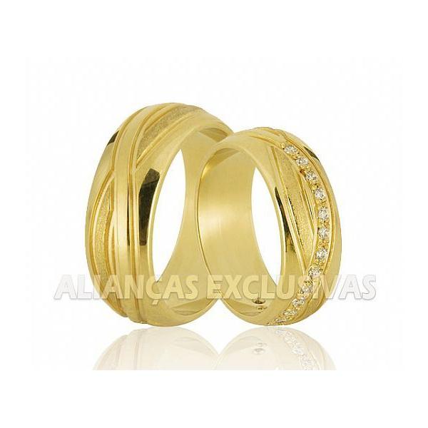 Aliança Personalizada com Diamantes em Ouro 18k