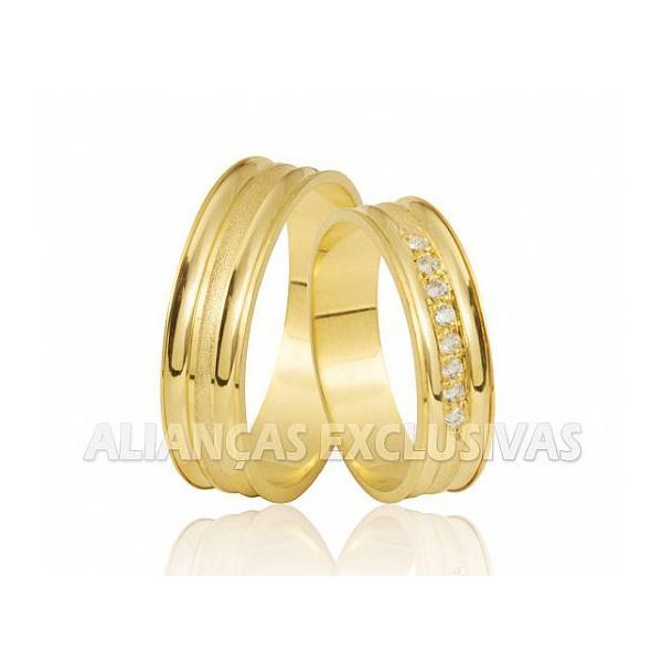 Alianças de Ouro Amarelo 10k com Diamantes