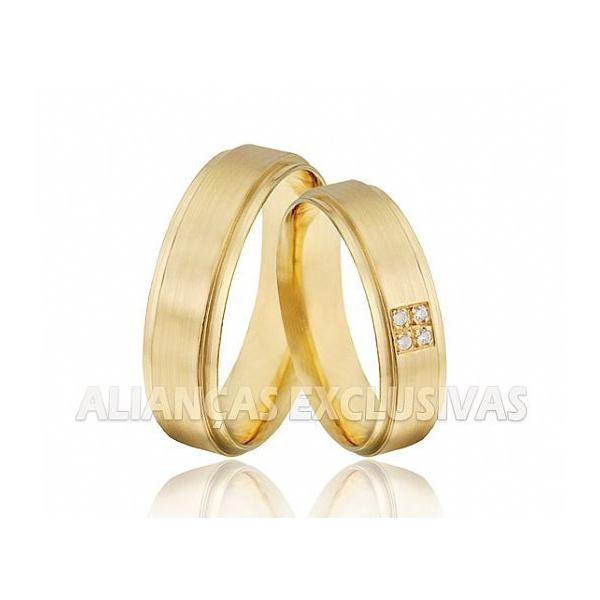 Aliança Reta com Diamantes em Ouro 18k