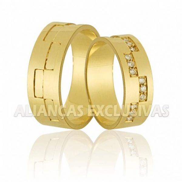 Aliança Grossa Com 15 Diamantes em Ouro 18K