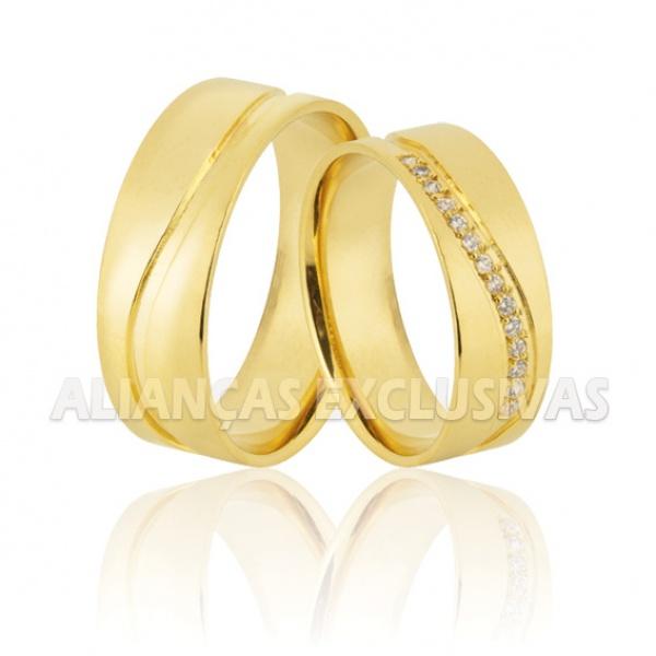 alianças de casamento grossas e anatômicas com acabamento polido e diamantes